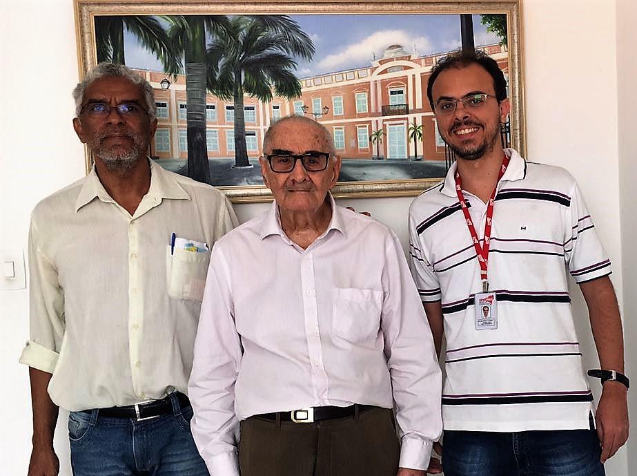 Oftalmologista Deusdete Pastore, 90  anos (entre Francisco Magalhães e Luís Américo) está na lista da Saeb