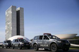 Brasília - Polícias Militar e Legislativa reforçam a segurança no Congresso Nacional em dia de votação dos destaques da Reforma da Previdência em comissão especial na Câmara dos Deputados. (Marcelo Camargo/Agência Brasil)